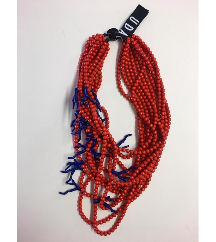 Collar de resina con forma de coral